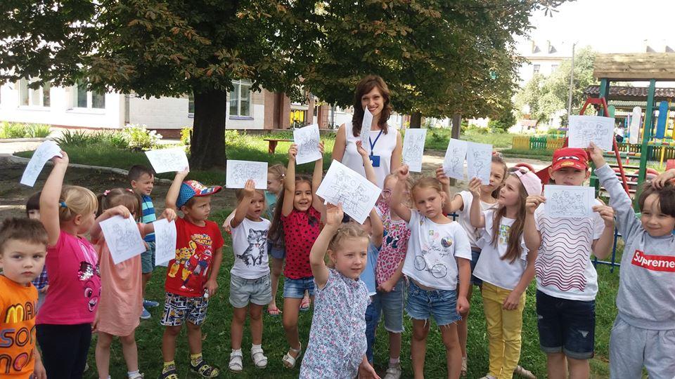 У Луцьку вихованців дитячого табору познайомили із світом професій. ФОТО