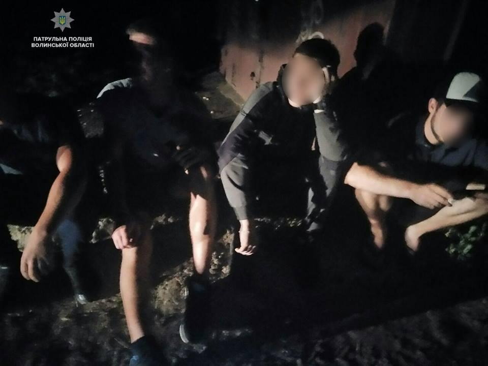 У Луцьку виявили молодиків з наркотиками