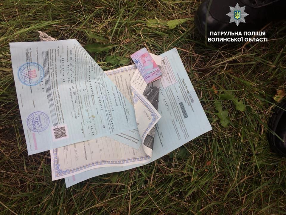 Цього тижня ковельські патрульні поліцейські тричі відмовились від хабаря: порушникам загрожує кримінал