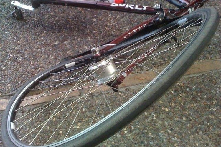 На Волині велосипедист потрапив під колеса авто