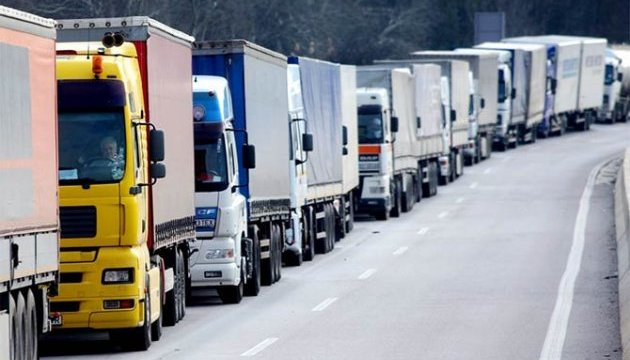 Де на Волині у період спеки діють пункти відстою вантажівок