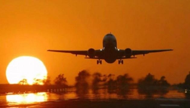 Пасажирський літак екстрено сів на Криті через повідомлення про замінування