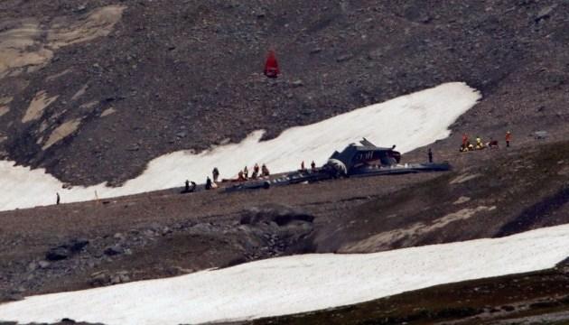 У Швейцарії розбився екскурсійний літак: 20 загиблих