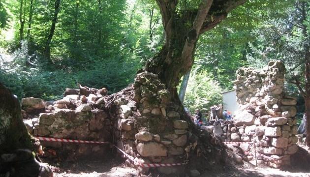 У Грузії археологи «докопалися» до середньовічної трапезної