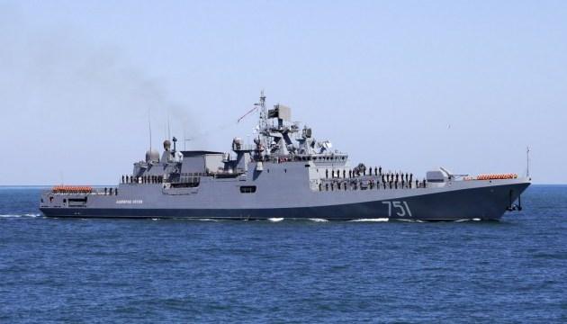 Російські кораблі провели бойові навчання у Чорному морі