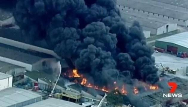 На хімічному заводі в Австралії – масштабна пожежа