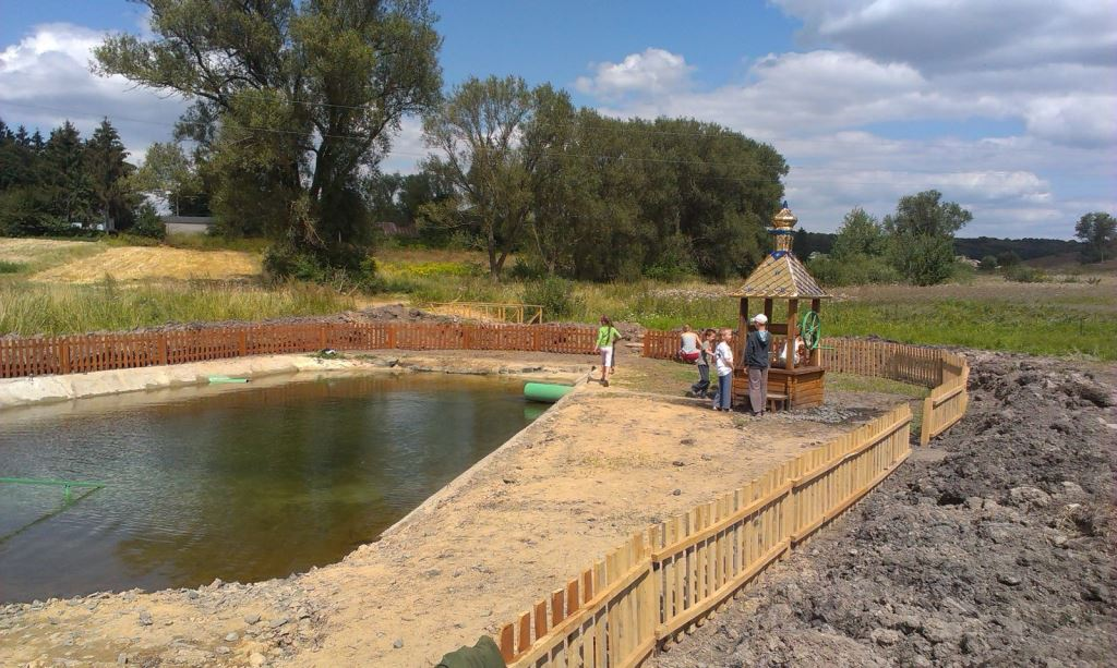 Поблизу Луцька облаштовують ставок з цілющою водою