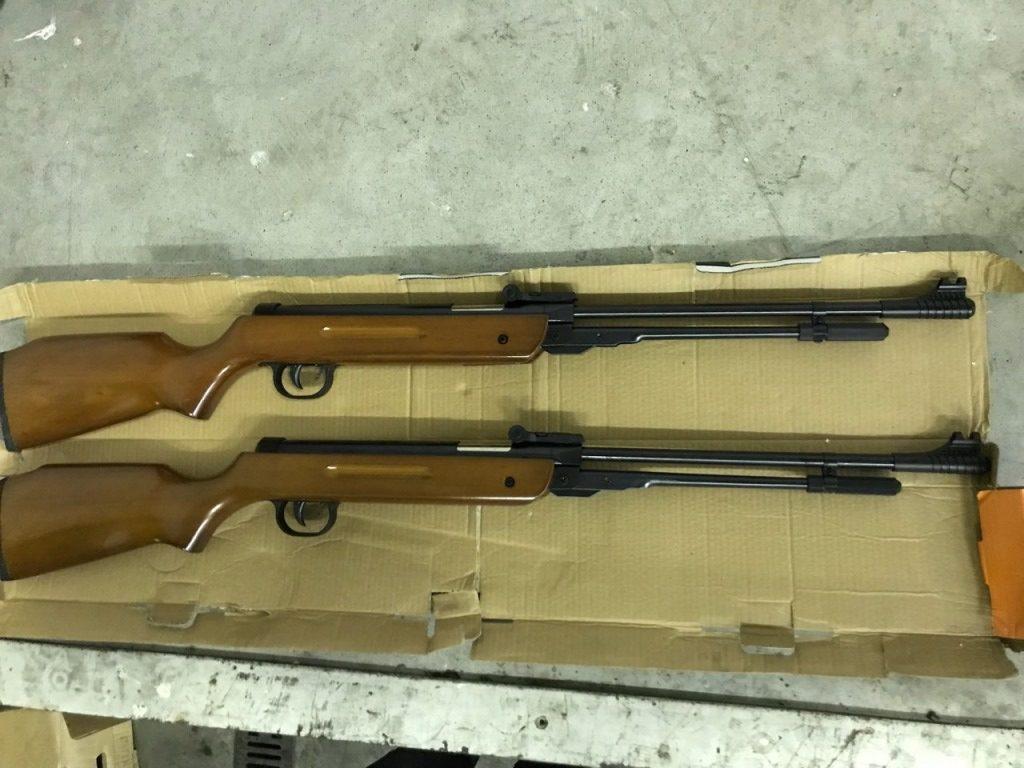 На «Ягодині» митники вилучили у громадянина пневматичні гвинтівки. ФОТО