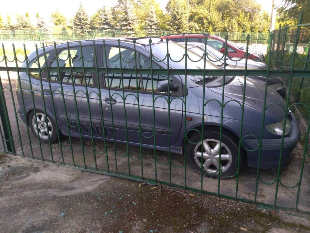 Волинські митники вилучили авто з підробленими документами