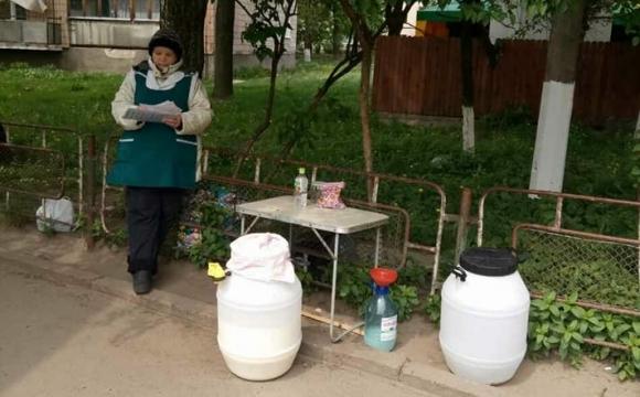 У виконкомі вдруге не дозволили торгівлю молоком з машин у Луцьку