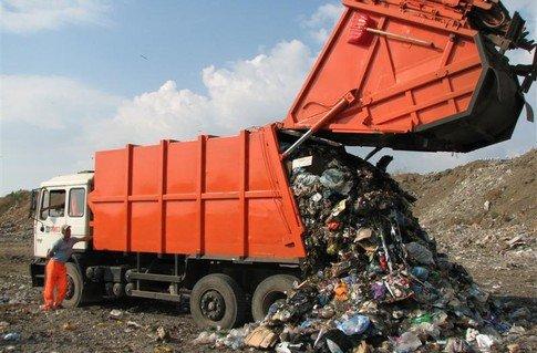 У Луцьку скасували тарифи на вивезення сміття для товариства «М.Ж.К.»