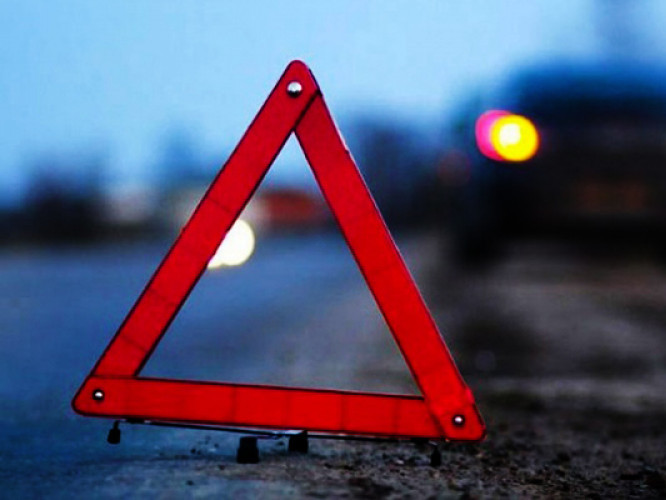 Розшукують водія, який збив лучанку і втік з місця автопригоди