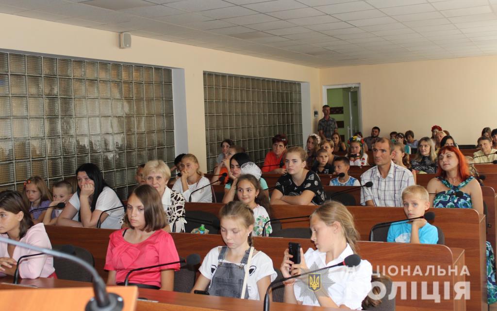 У Ковелі поліцейські привітали школярів. ФОТО