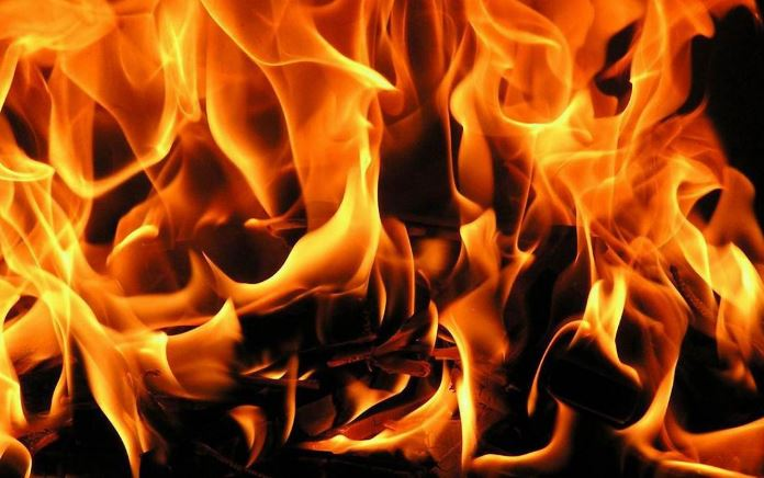 У Луцьку трапилася пожежа: постраждалим дітям та дорослим надають допомогу
