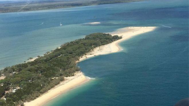 В Австралії пляж «провалився» в океан