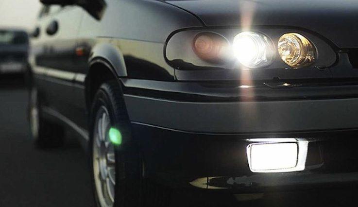 Поліція Волині нагадує водіям не забувати вмикати ближнє світло фар за містом