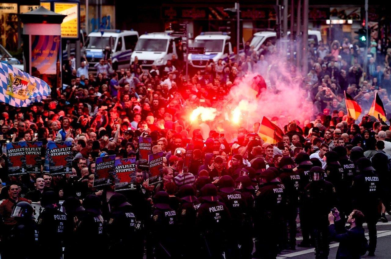 Протести у Німеччині щодо політики біженців: поліція затримала 300 учасників