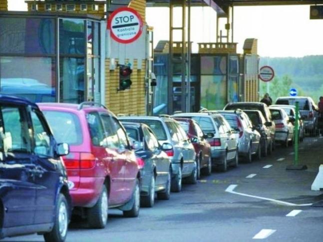 Волинська митниця попереджає, що усі документи на авто з іноземною реєстрацією будуть перевіряти