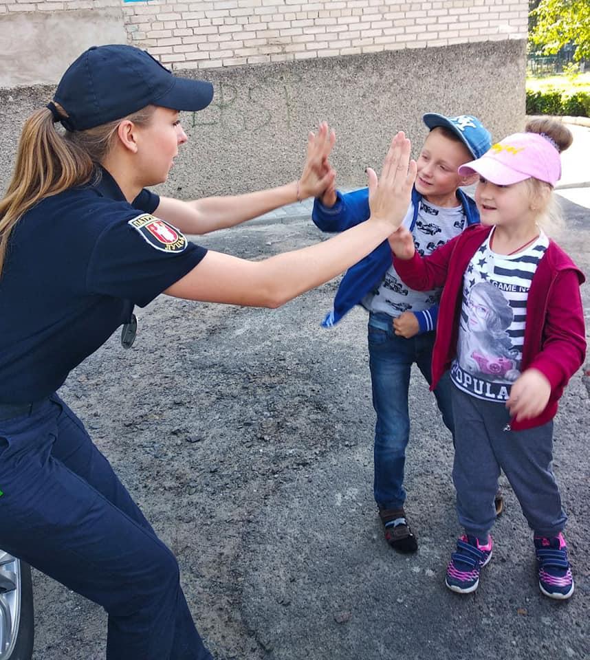 У Луцьку діти поспілкувалися із інспекторами про безпеку. ФОТО