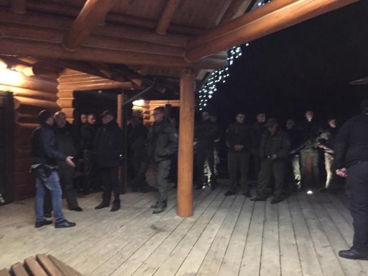 У заказнику на Волині лісова охорона зі стріляниною звільняла мажорів