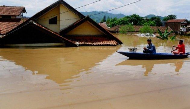 Землетрус і цунамі в Індонезії: влада повідомляє про 832 загиблих