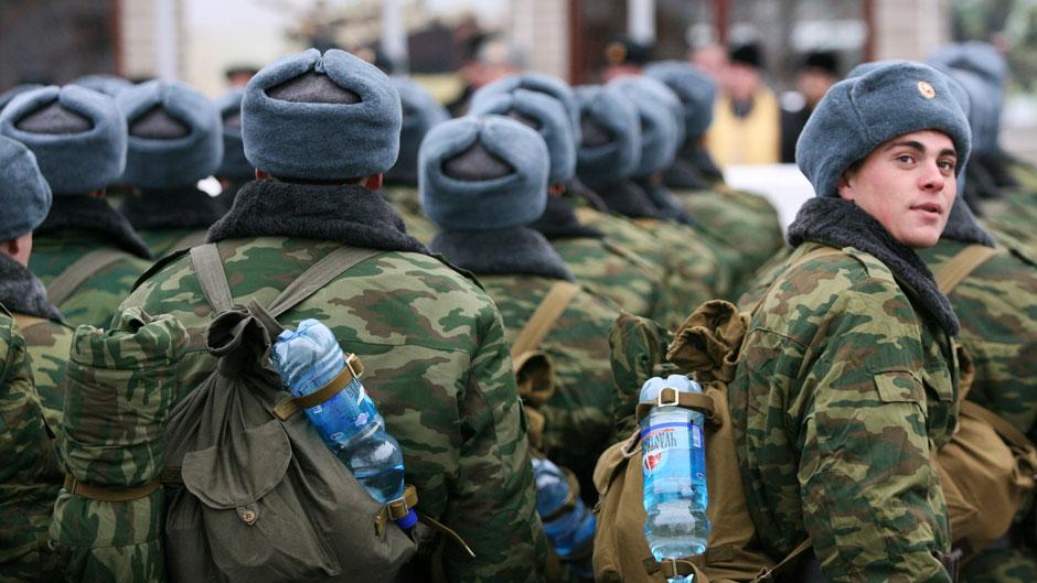 Порошенко збільшив термін призову в армію в 2018 році