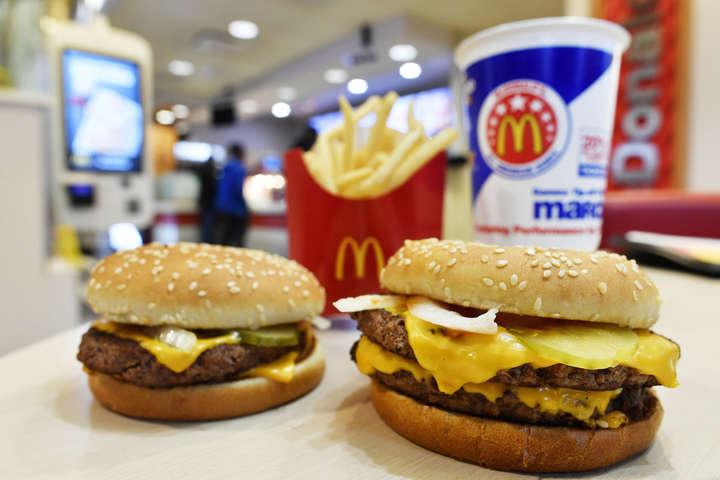 «McDonald's» оголосив, що позбувся консервантів у бургерах у ресторанах США