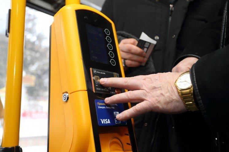 У Луцьку планують перейти на безготівкову систему оплати проїзду в громадському транспорті