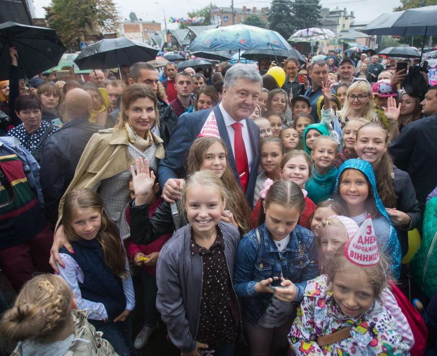 Президент привітав з днем міста Вінниця, Дніпро, Луцьк, Миколаїв, Житомир та Луганськ