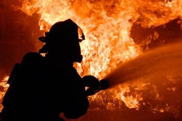 У Луцьку через необережне поводження з вогнем горіла квартира