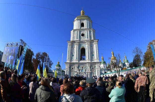 На Софійській площі одночасно молилися 15 тисяч людей