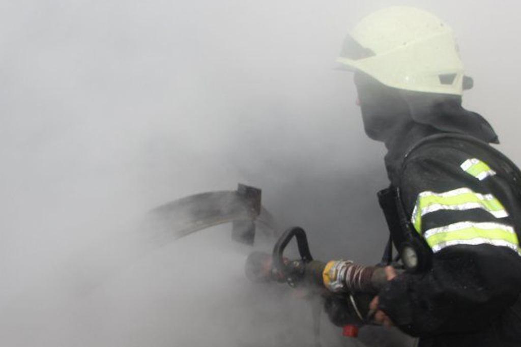 У Луцьку горів підвал багатоповерхівки, з пожежі врятували безхатченка