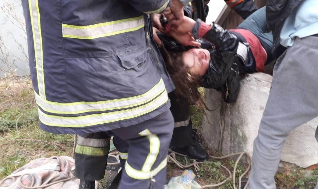 На Волині з колодязя врятували двох людей. ФОТО