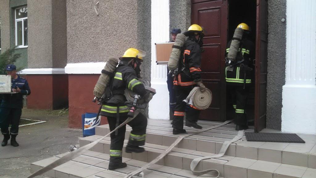 У луцькому ліцеї гасили «пожежу». ФОТО