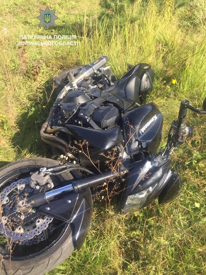 Луцькі інспектори затримали мотоцикліста, який ганяв містом