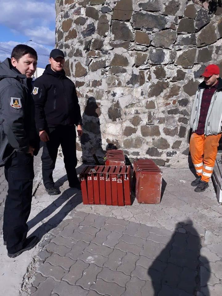 У Луцьку власникам повернули поштові скриньки, які викрали наркомани