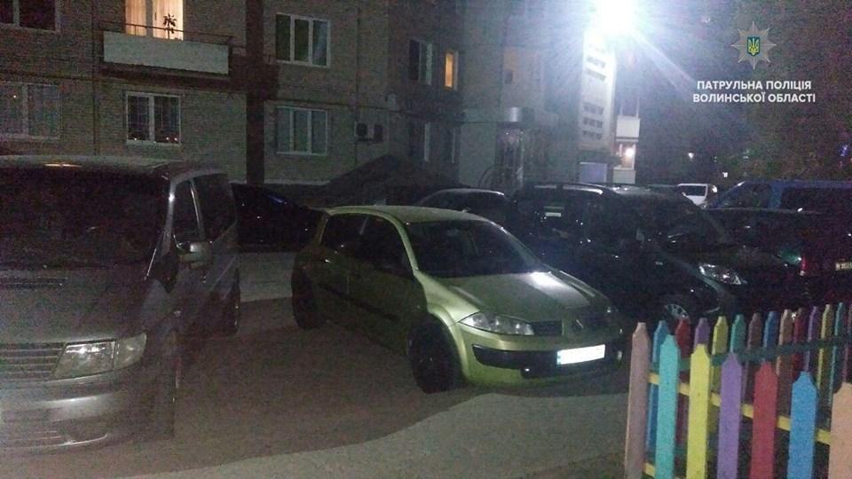 У Луцьку з автомобіля витікав газ