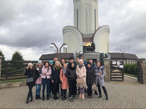Студентам Лесиного вишу провели екскурсію історичними пам'ятками Рівненщини та Волині