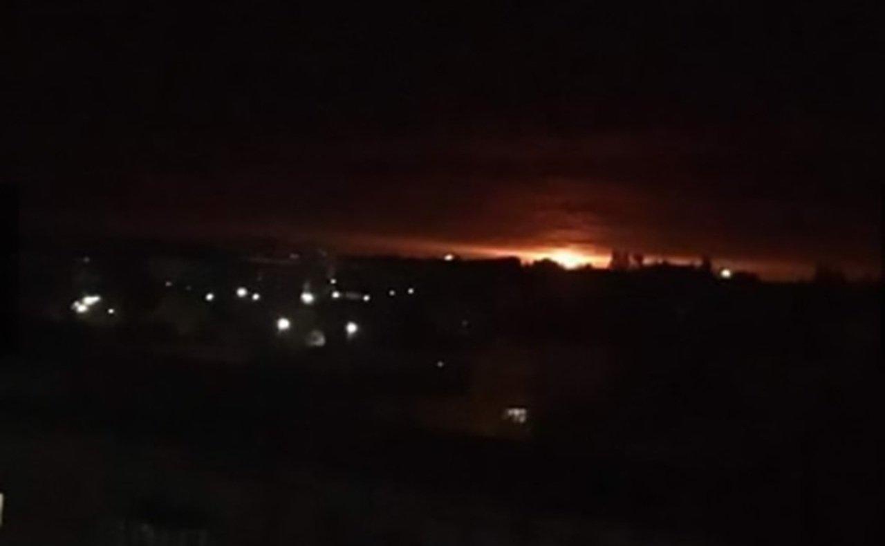 На складі боєприпасів на Чернігівщині щосекунди стається 2-3 вибухи. ВІДЕО