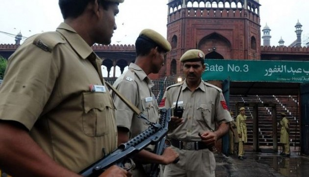 В Індії протести через допуск жінок у храм