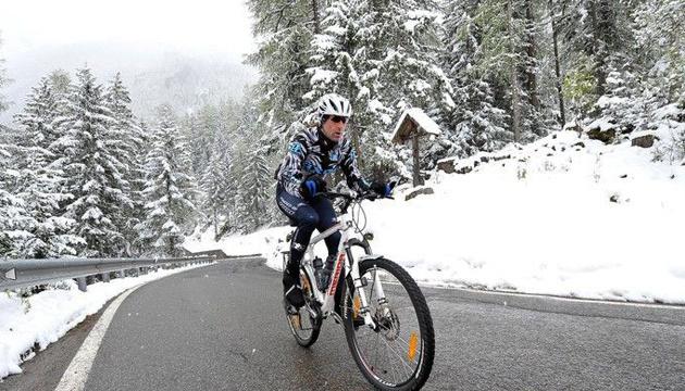 Центральну Францію засипало снігом