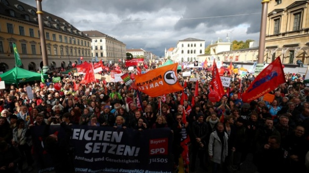 У Мюнхені десятки тисяч німців вийшли на демонстрацію проти расизму