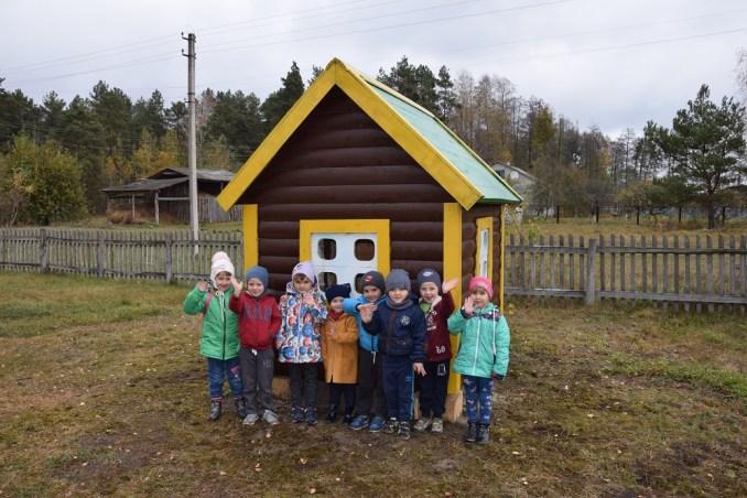 На Волині лісівники облаштувати дитмайданчик для дошкільнят. ФОТО