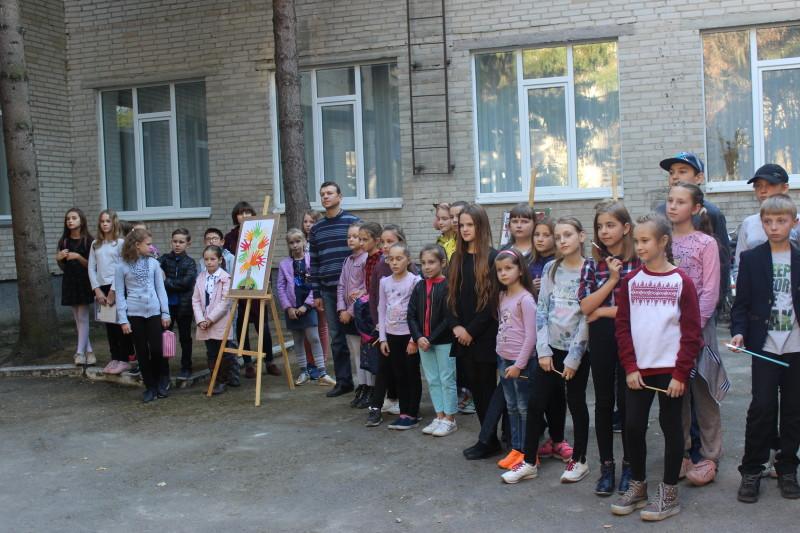 У Луцькій дитячій художній школі – посвята у першокласники. ФОТО