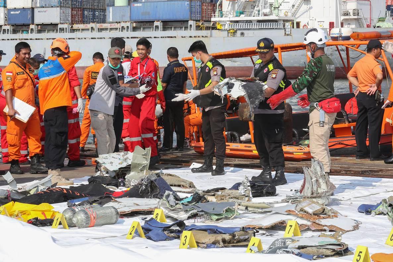 В Індонезії розбився літак з 188 людьми на борту