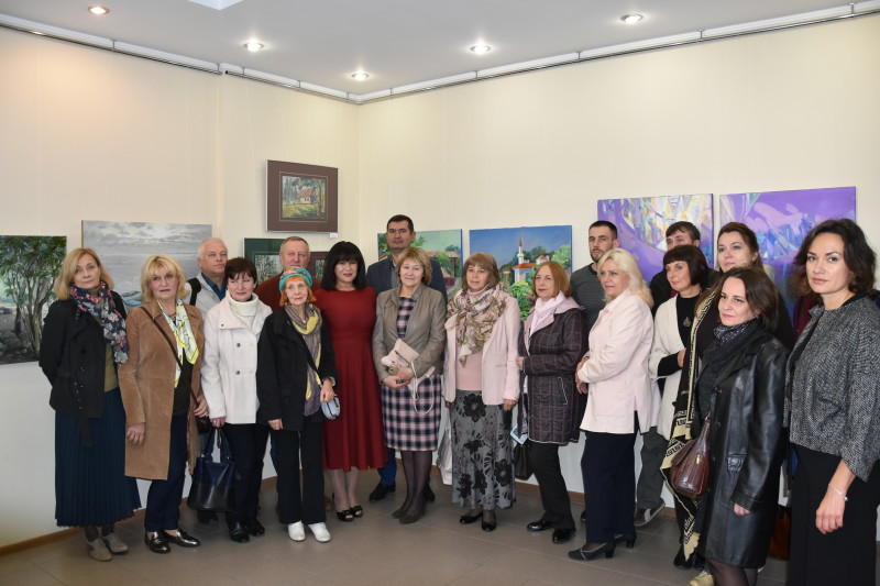 Презентували виставку робіт викладачів Луцької художньої школи. ФОТО