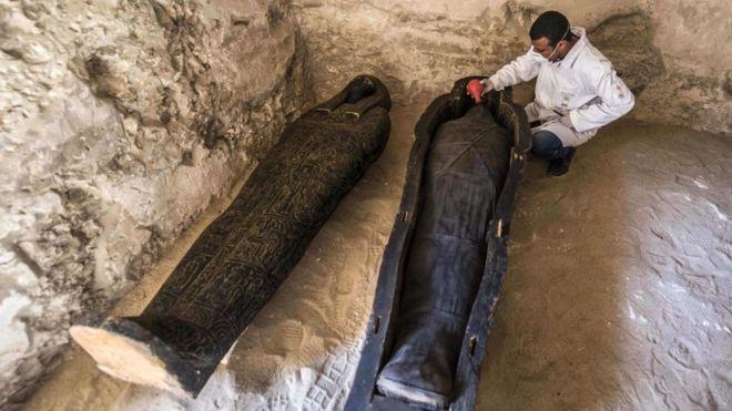 У Єгипті знайшли мумії, яким три тисячі років