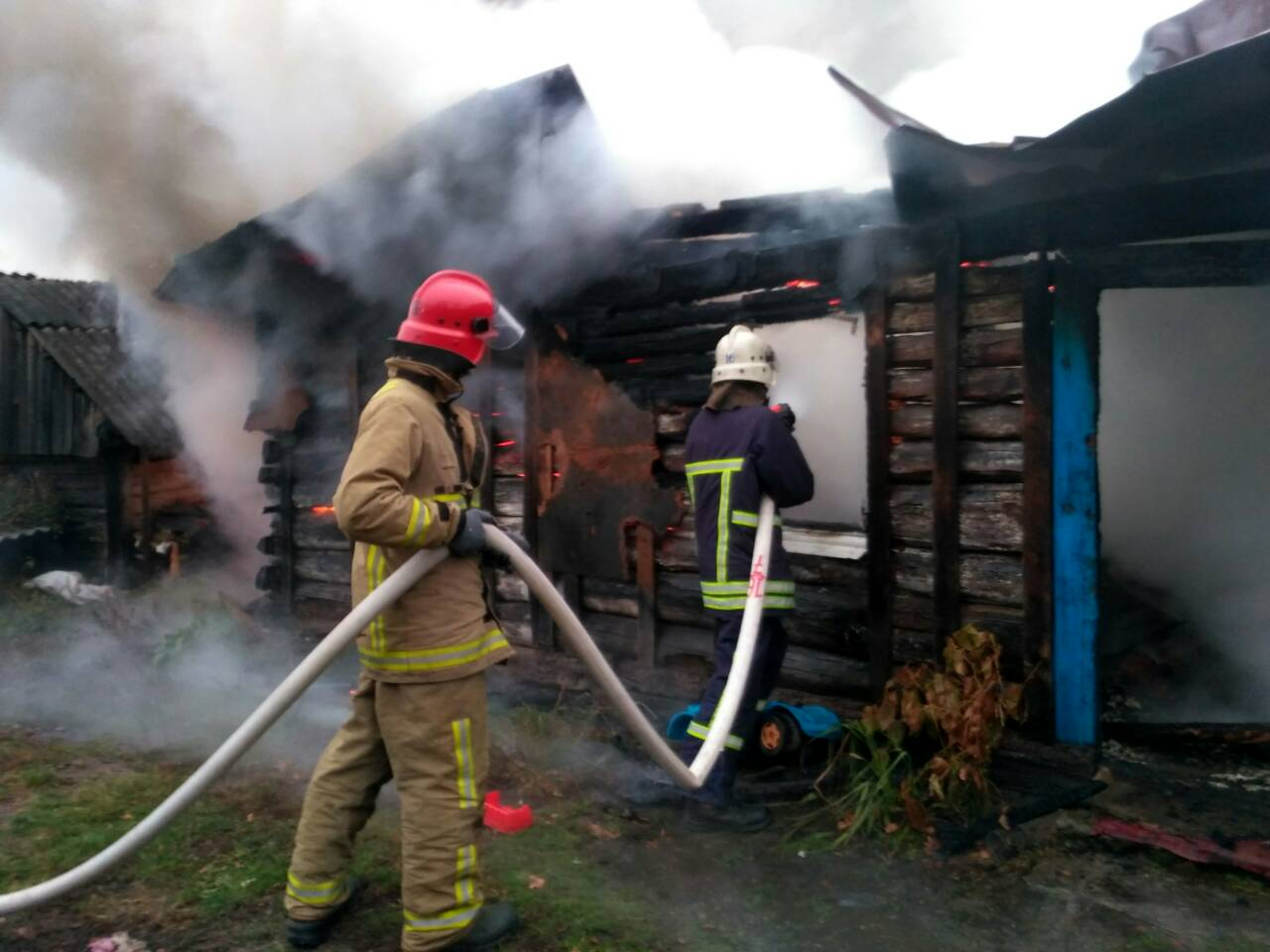 За минулу добу волинські рятувальники ліквідували дві пожежі