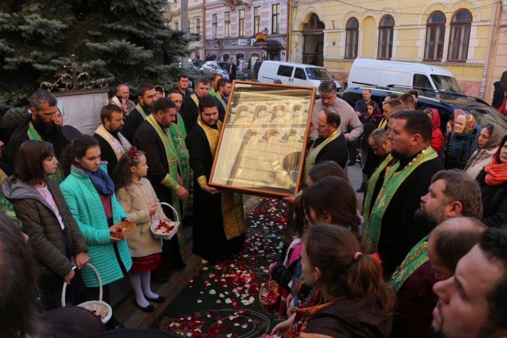 Луцьку святиню привезли для паломництва на Буковину