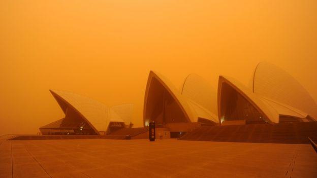 Австралію накрила пилова буря – літаки застрягли в аеропортах